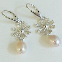 Wild Campion AAA pink pearl drop earrings