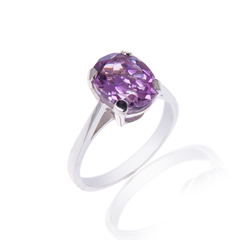 Pale Amethyst Oval Ring