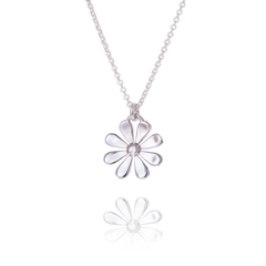 Daisy Pendant 15mm Flower