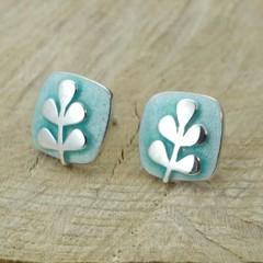 Aqua raised stem studs