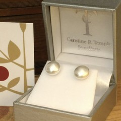 Frosted 8mm silver bouton studs